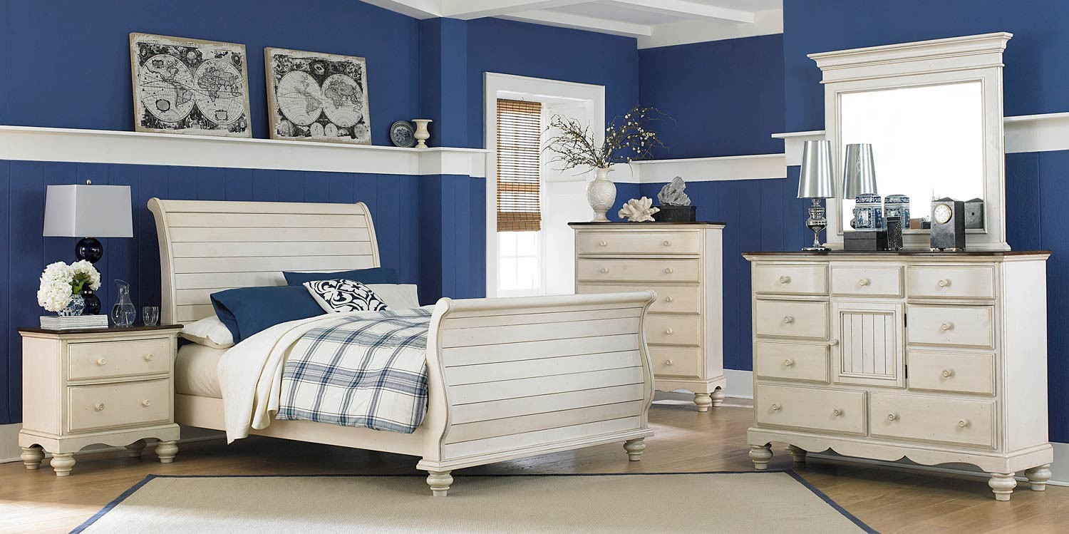 Hillsdale Pine Island Sleigh Bedroom Set   Old White 1052 Bed Set