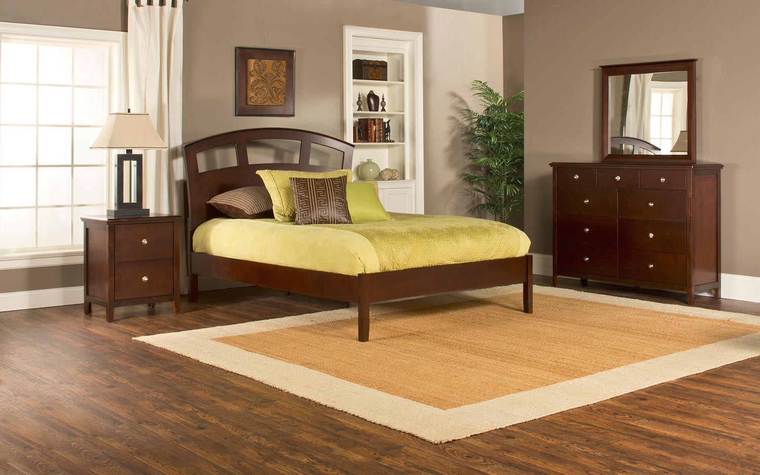 Hillsdale Metro Riva Platform 4-Piece Bedroom Collection - Cherry