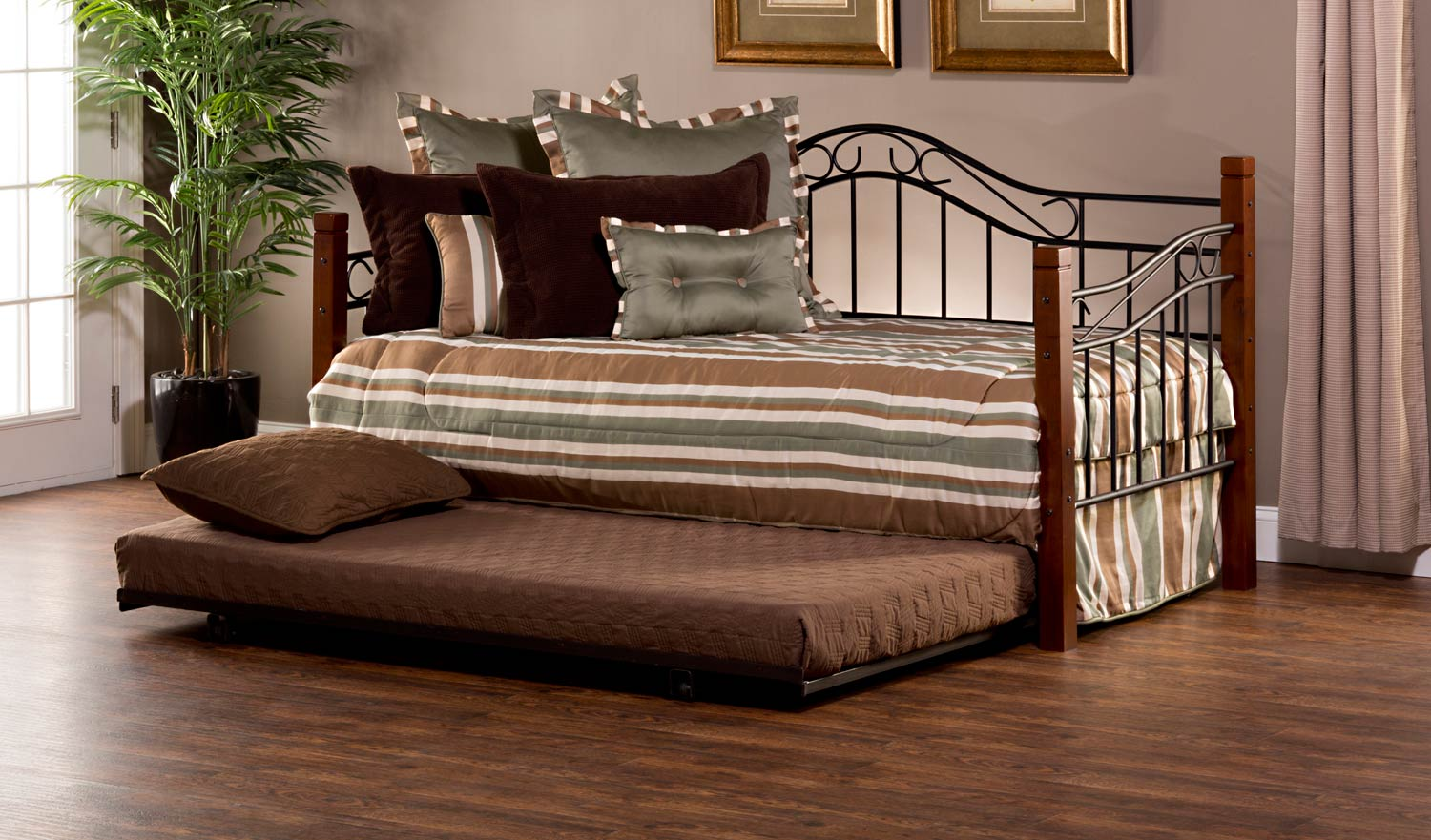 Hillsdale Matson Daybed With Suspension Deck And Trundle