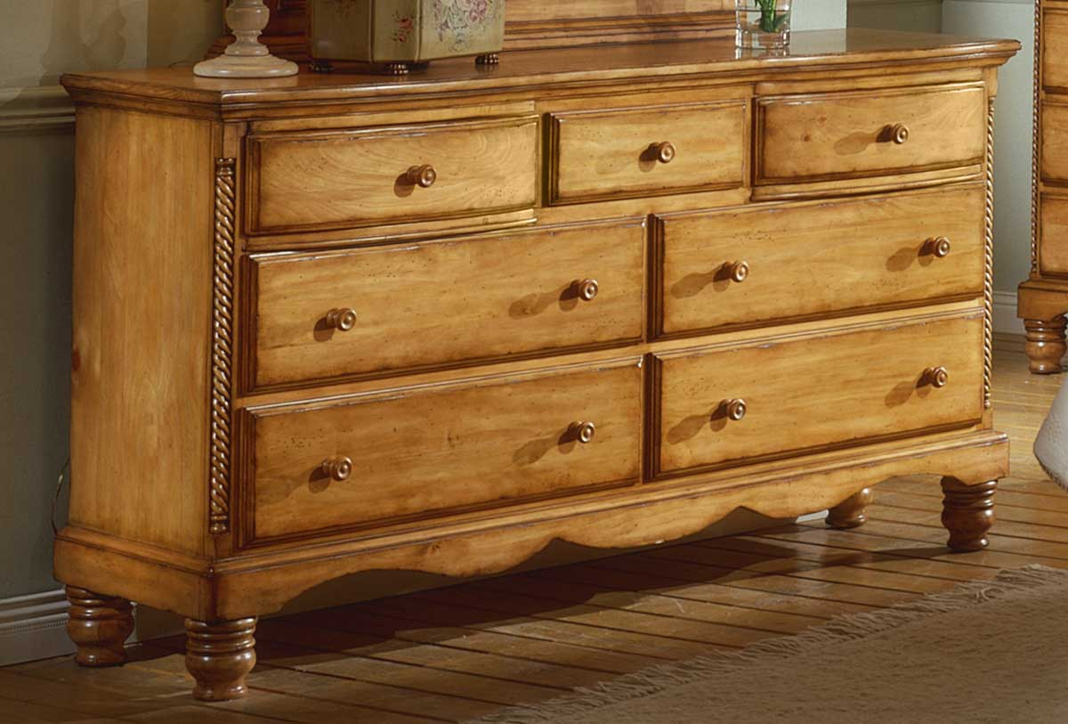 Hillsdale wilshire dresser antique pine 1171 717 for Pine bedroom furniture