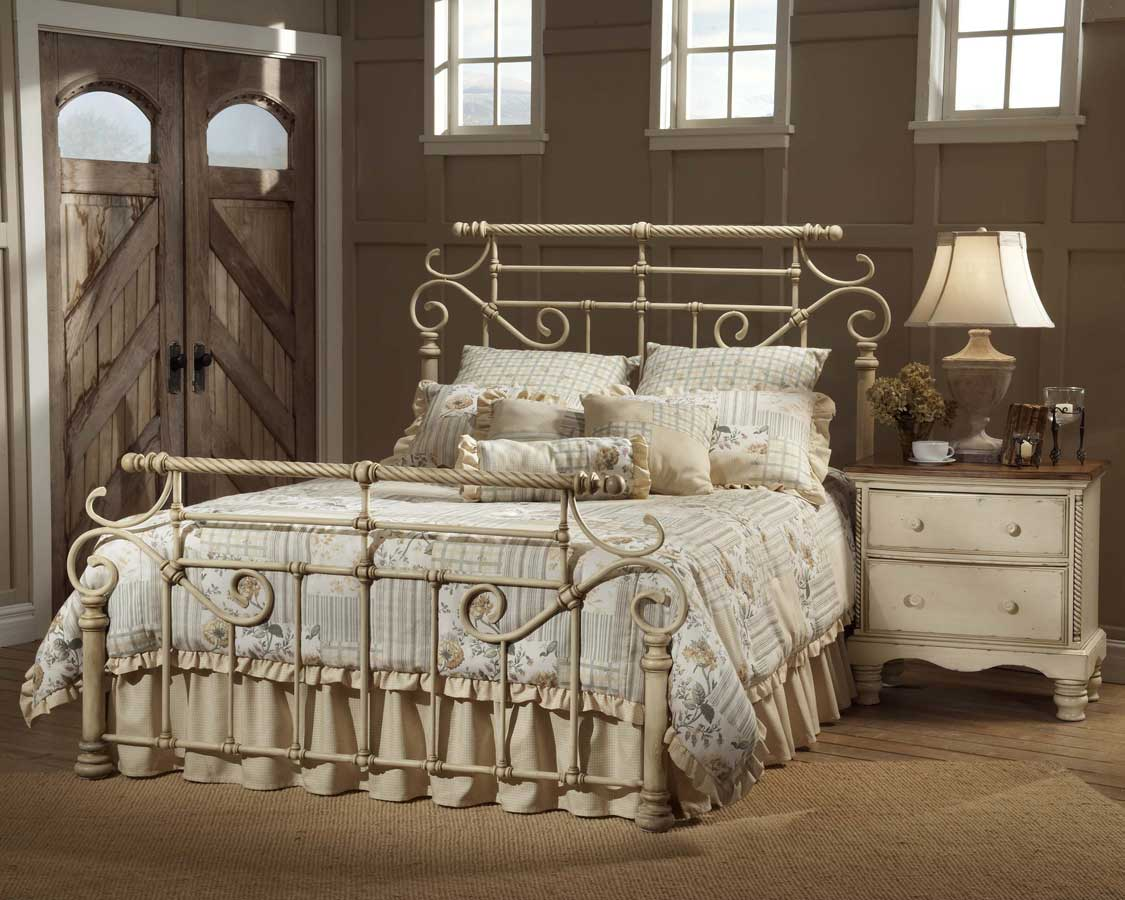 Hillsdale Wilshire Metal Bed   Antique White. Hillsdale Wilshire Metal Bed   Antique White 1172 MTLBed