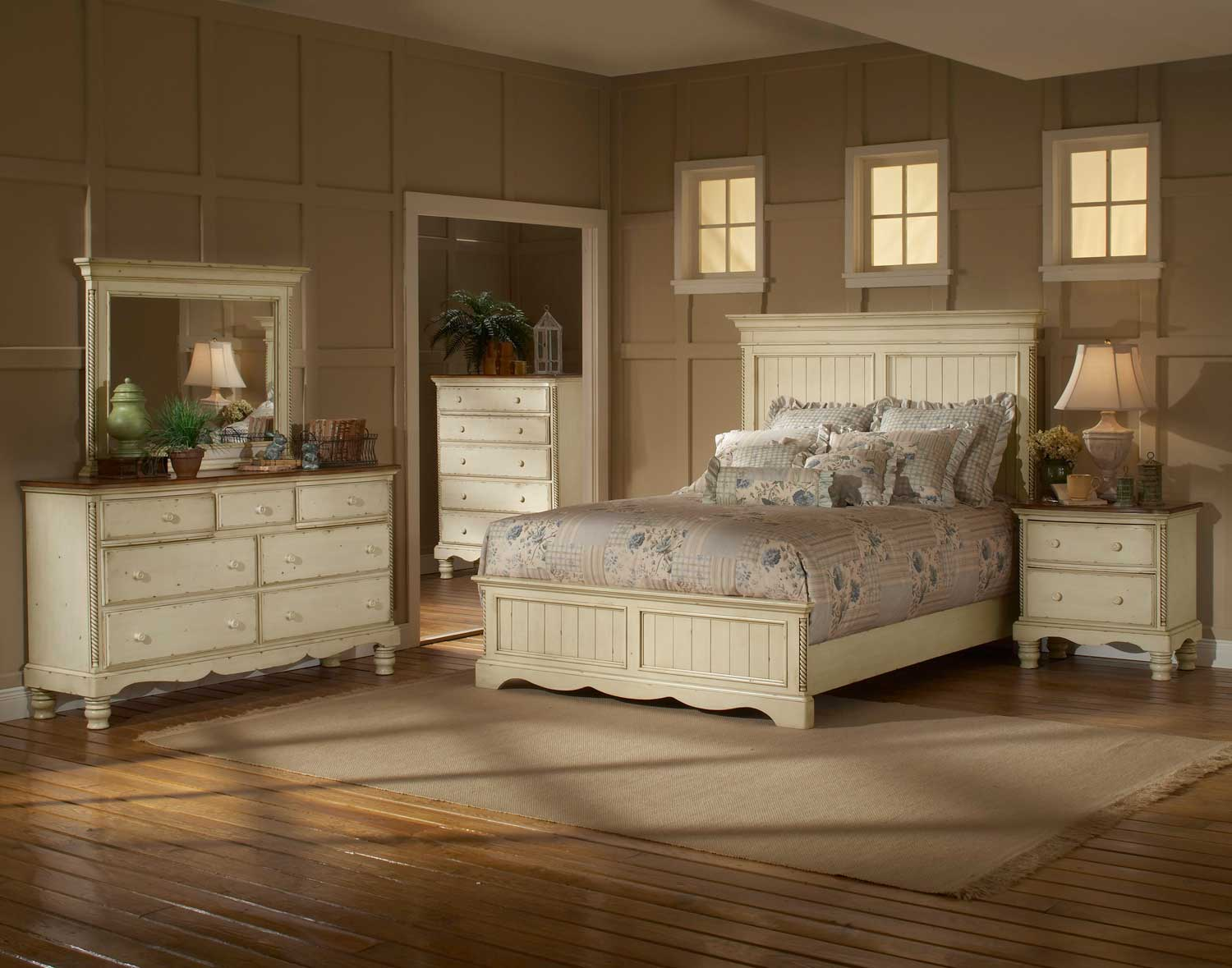Wilshire Panel Bedroom Set Antique White 1172573BQR BED SET