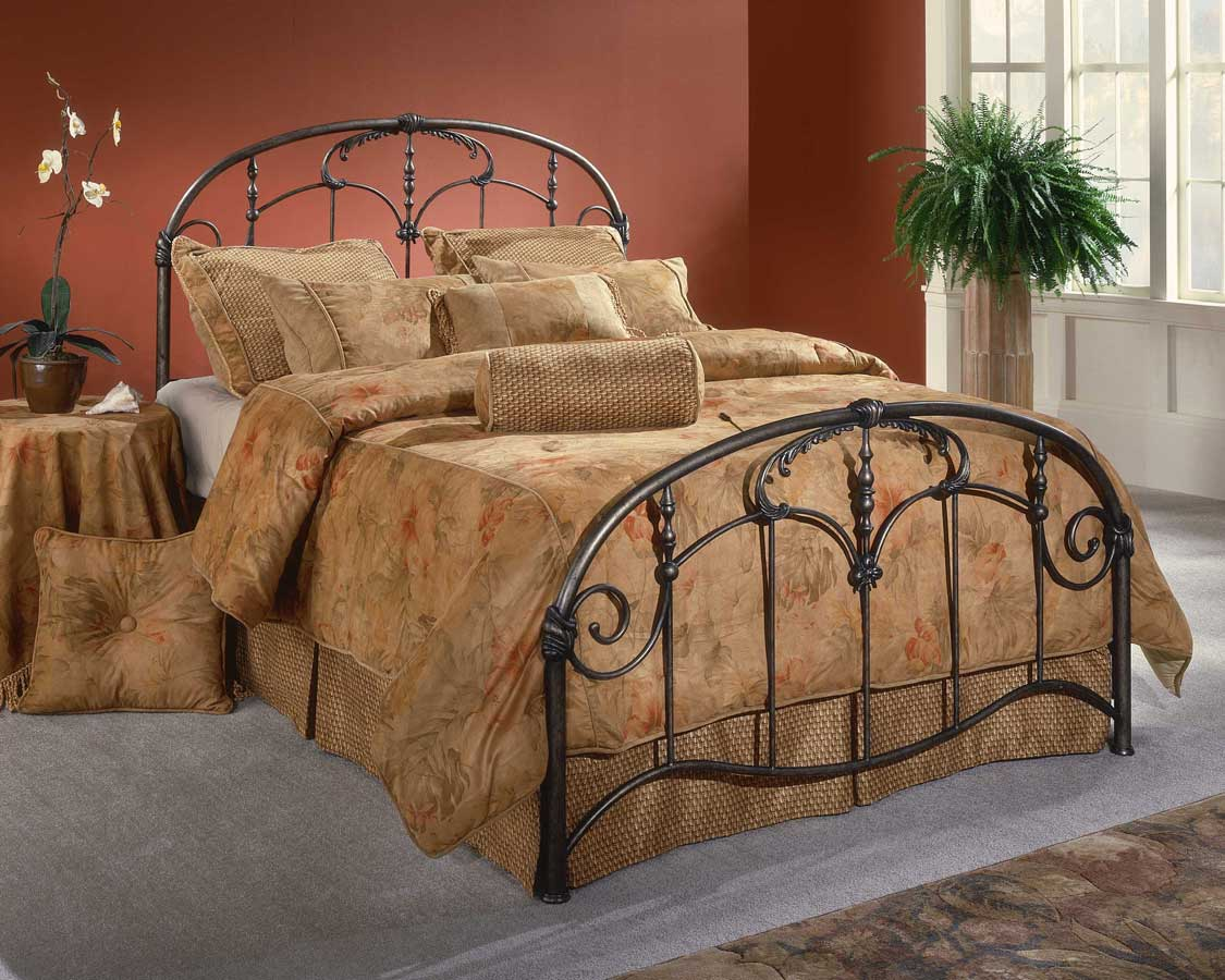 Queen Magnesium Pewter Hillsdale Furniture Tiburon Bed Set with Rails