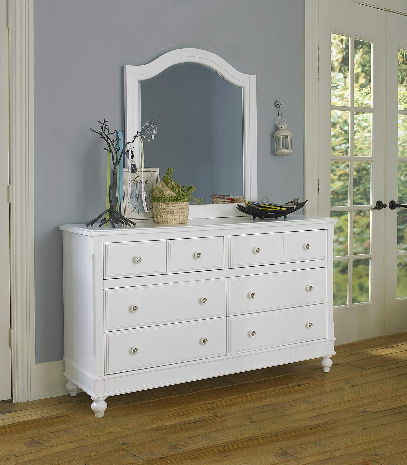 NE Kids Lake House 8 Drawer Dresser with Mirror - White