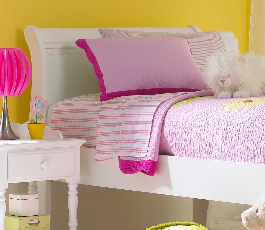 Hillsdale Lauren Sleigh Bed