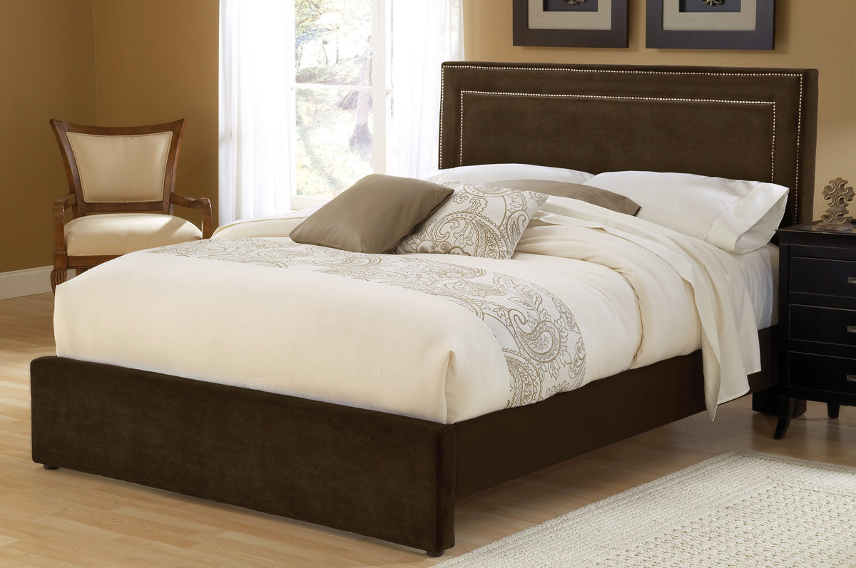 Hillsdale Amber Fabric Bed - Chocolate