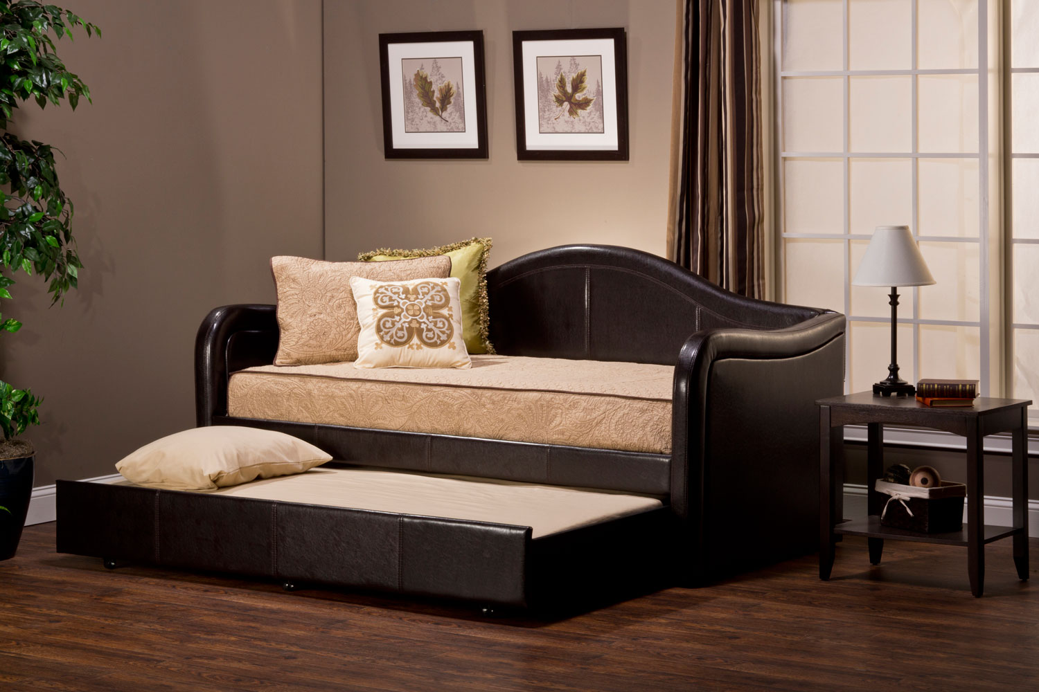 Hillsdale Brenton Daybed With Pull Out Trundle Brown Vinyl 1719dbt
