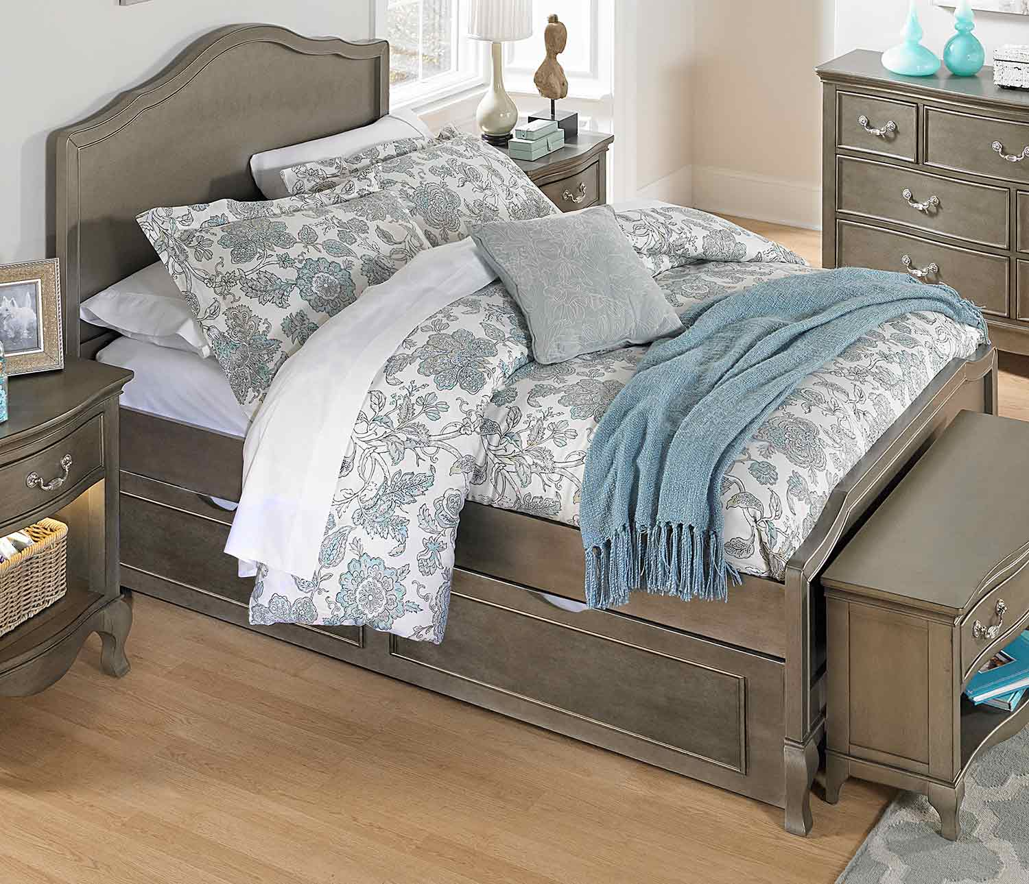 NE Kids Kensington Charlotte Panel Bed With Trundle - Antique Silver