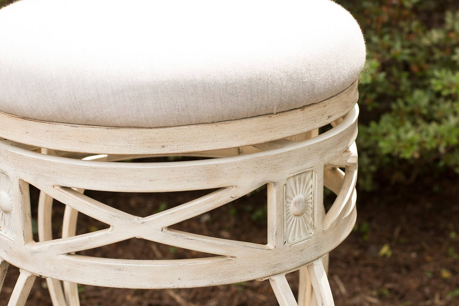 Hillsdale Callen Indoor/Outdoor Swivel Counter Stool - Whitewash
