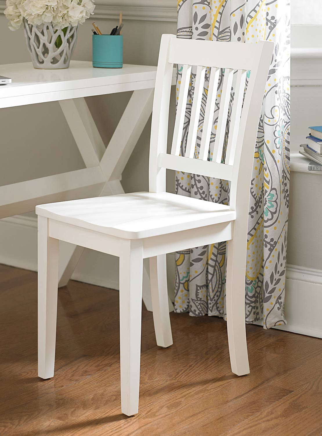 NE Kids Lake House Chair - White