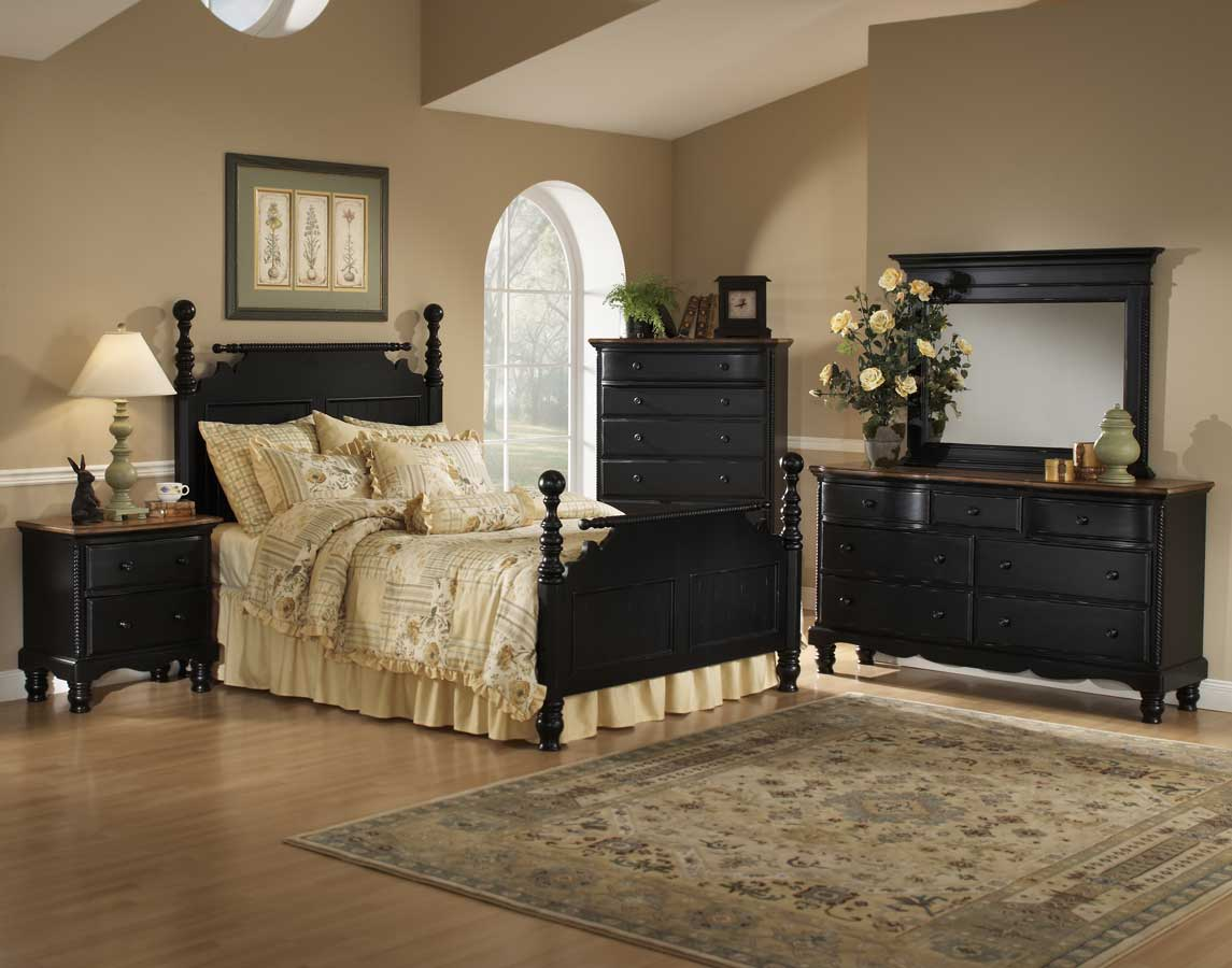 Hillsdale Wilshire Post Bed Rubbed Black 1173 Postbed