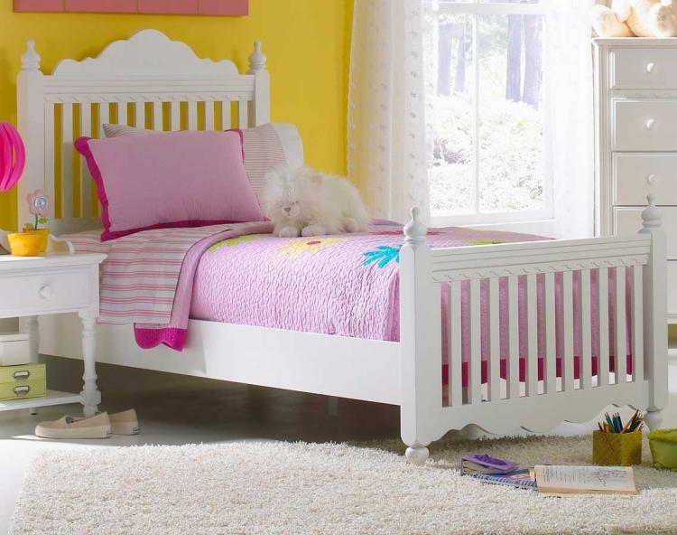 Lauren Post Bed