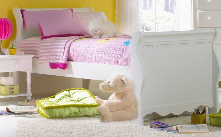 Lauren Sleigh Bedroom Set