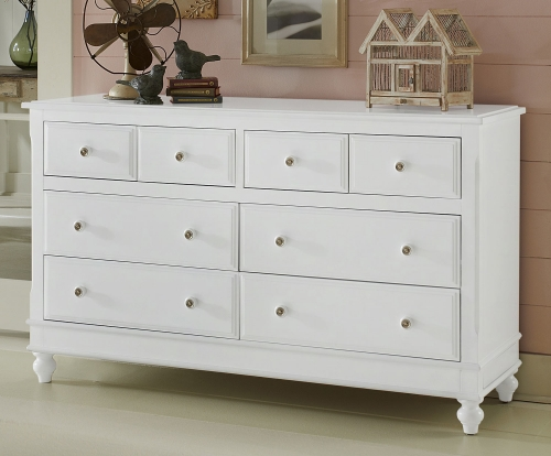 Lake House 8 Drawer Dresser - White
